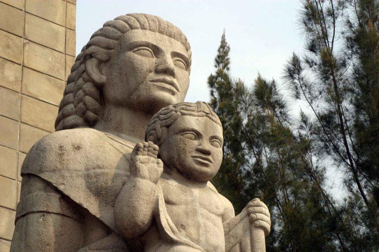 monumento-a-la-madre-1